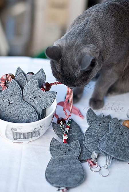 Bardzo dobryFantastyczny Filcowe koty (etui na klucze) LT03