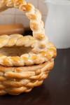 Koszyczek z ciasta drożdżowego